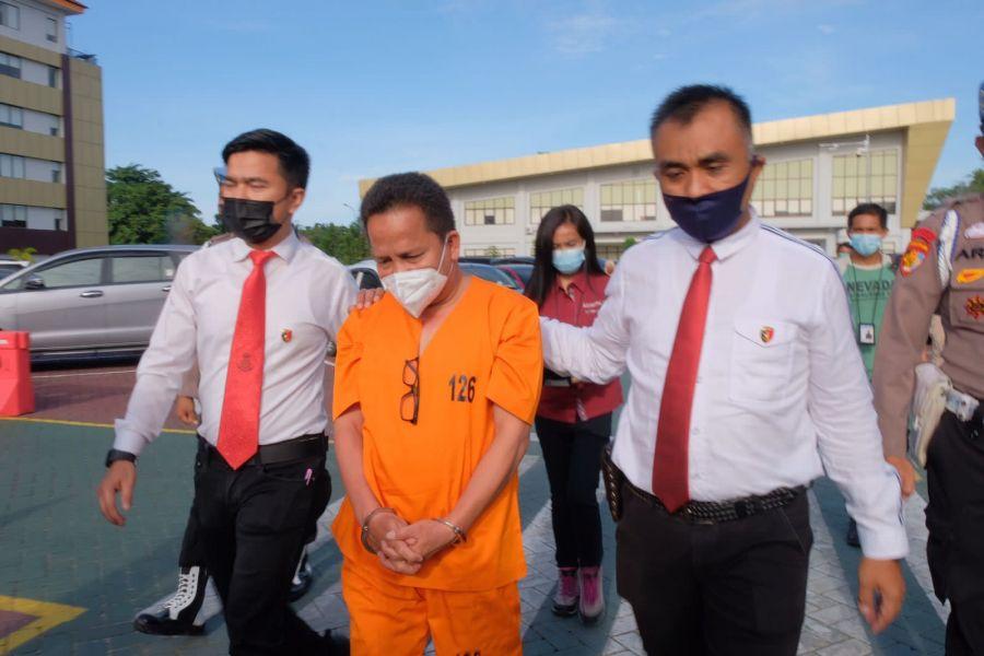 Kadinkes Kabupaten Kepulauan Meranti Ditahan Ditkrimsus Polda Riau