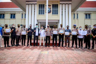 Berkolaborasi dengan Walikota dan Kapolres Dumai, DPD KNPI Riau Bagikan 1 Ton Beras Untuk Masyarakat